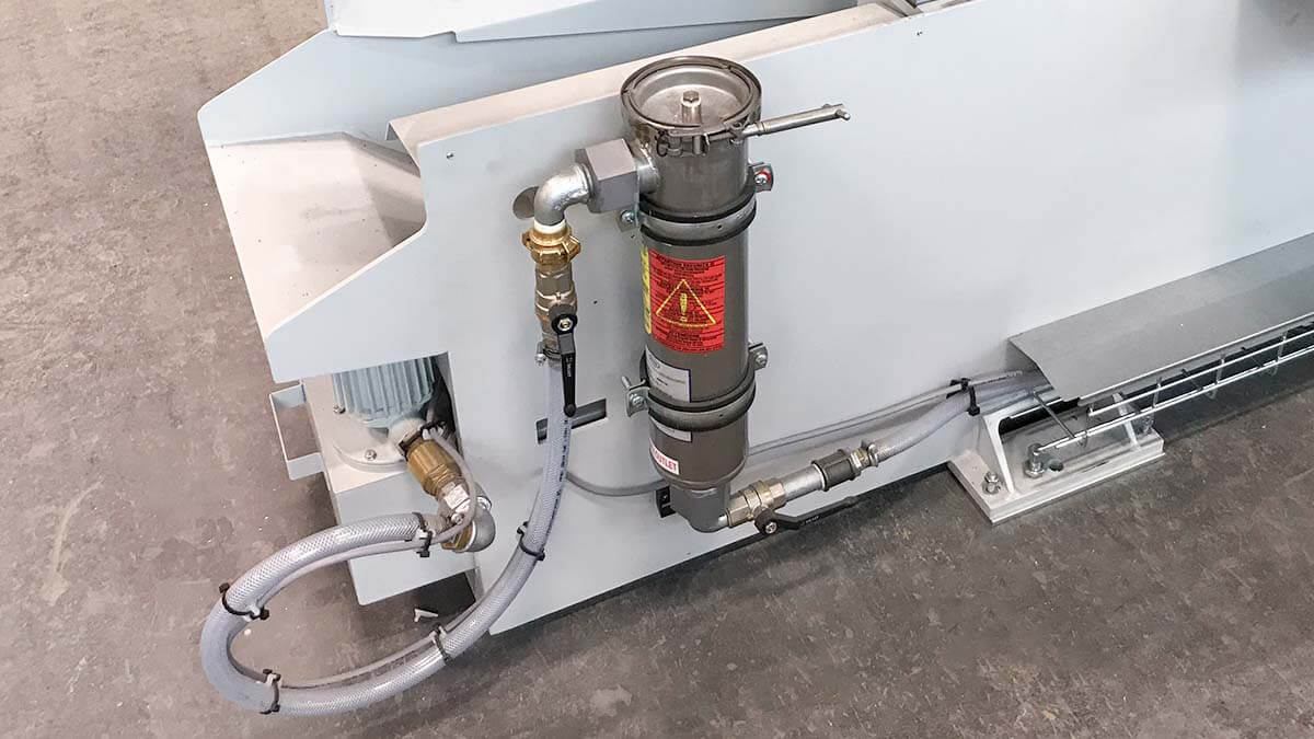 HBE320-523 3D coolant cleaning system