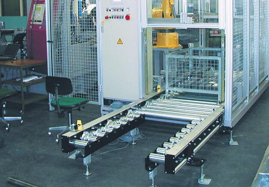 Behringer Eisele HCS Metallkreissägeautomat mit Roboterzelle und automatisiertem Palettenbahnhof