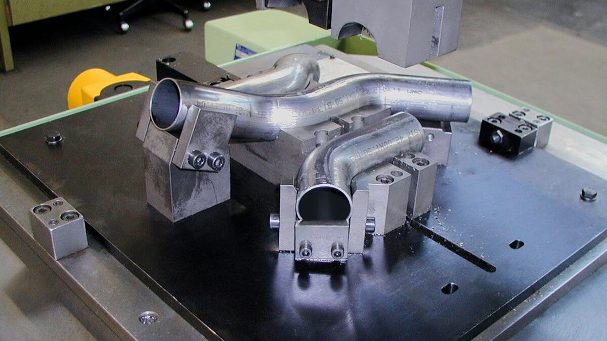 Behringer Eisele Unterflursäge für Rohre PSU 450 GS Vorrichtung zum einlegen gebogener Rohre