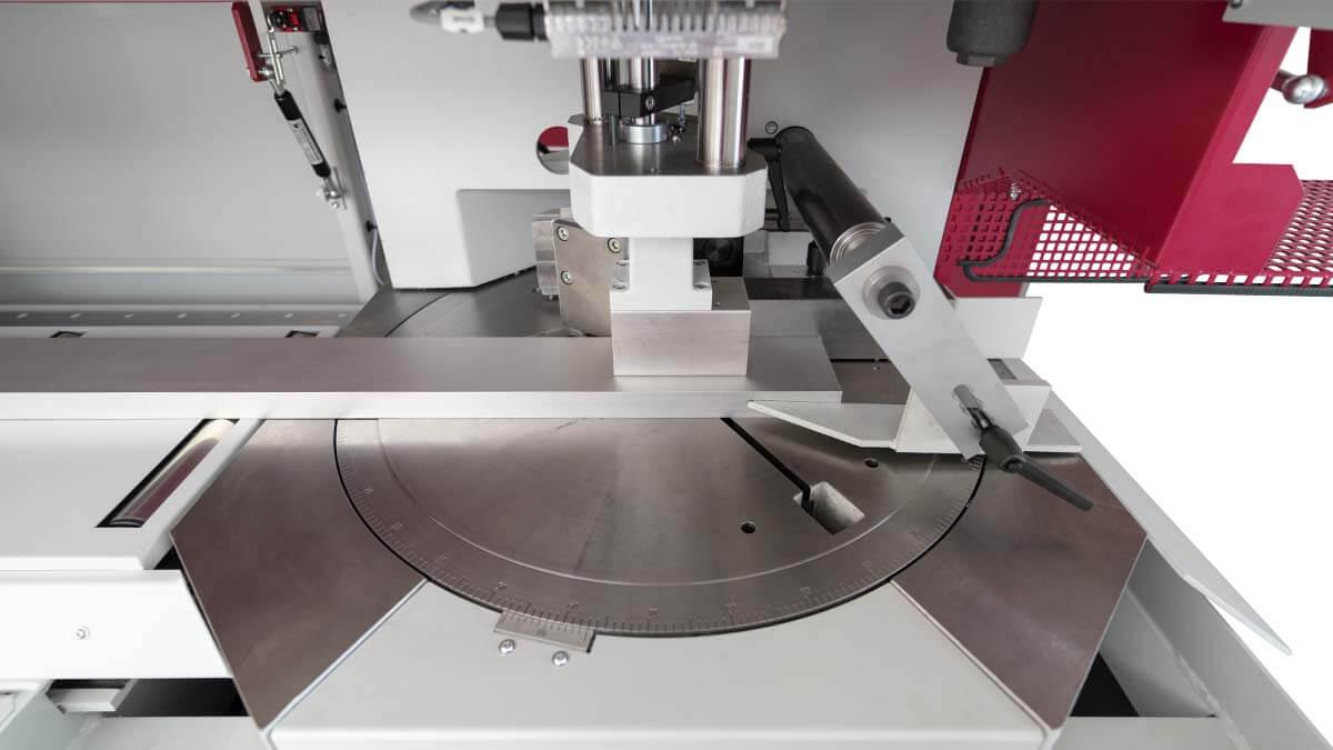 Behringer Eisele Unterflur-Kreissägeautomat PSU 450 M Materialtisch mit Gehrungseinrichtung