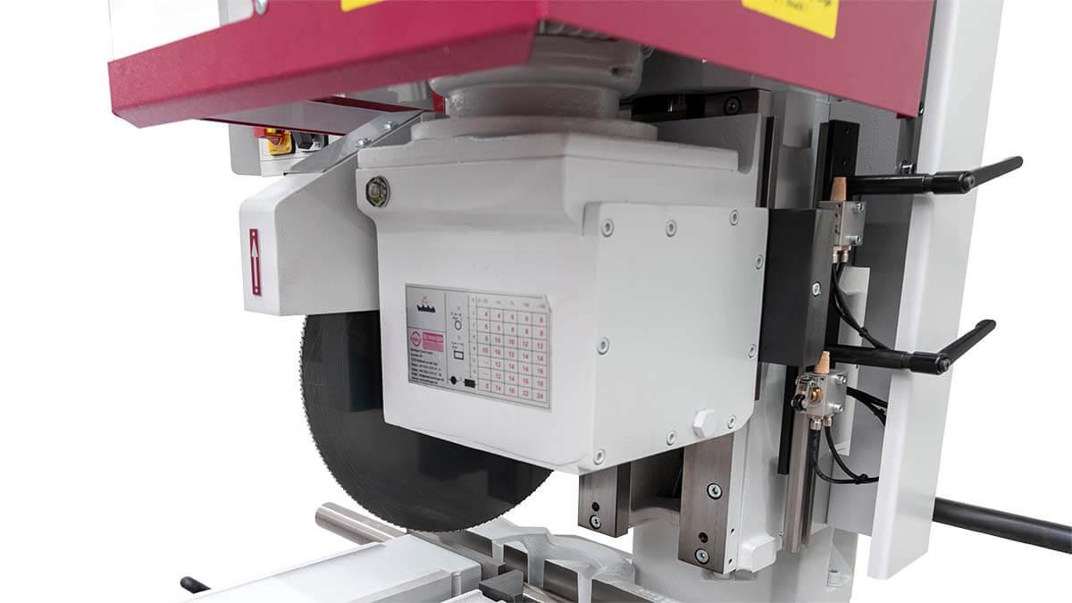 Behringer Eisele Vertikal-Metallkreissäge VMS 350 PV mit robustem Schneckengetriebe aus eigener Herstellung